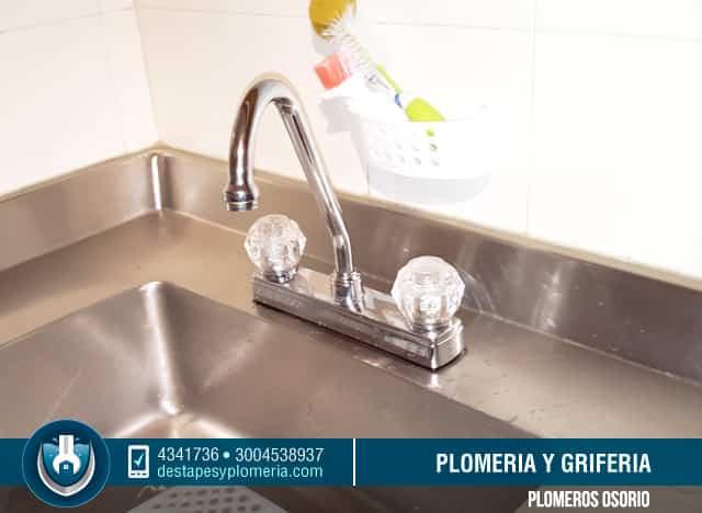 Mantenimiento y limpieza de duchas, griferia 3004538937 reparaciones